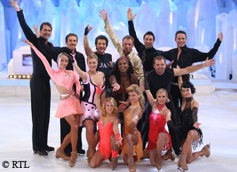 Gruppenbild der zweiten Dancing on Ice Show. Copyright: RTL